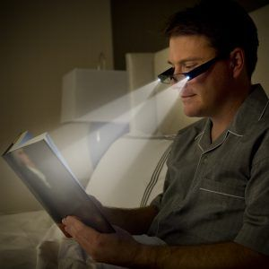Lighted reading glasses